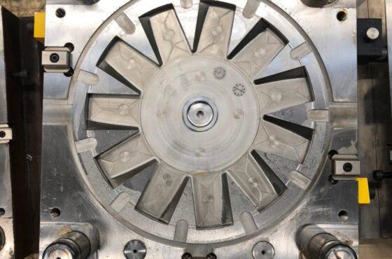 樹脂金型(6)